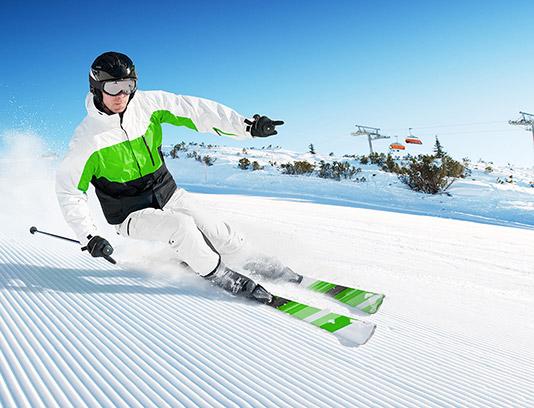 عکس با کیفیت ورزش اسکی در برف