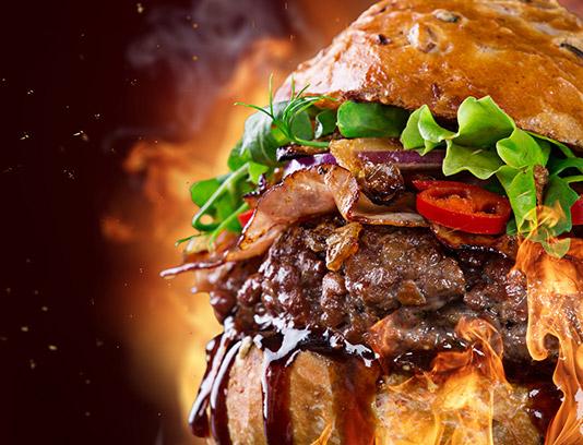 عکس با کیفیت ساندویچ همبرگر با سس سویا