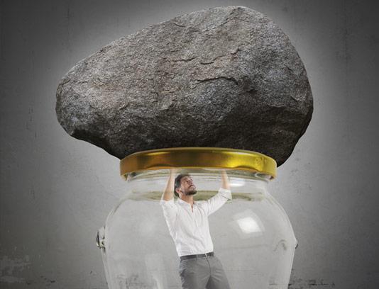 عکس مفهومی کسب و کار مرد مانده در بحران