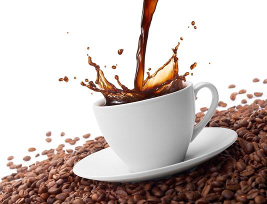عکس با کیفیت فنجان قهوه به همراه دانه های قهوه