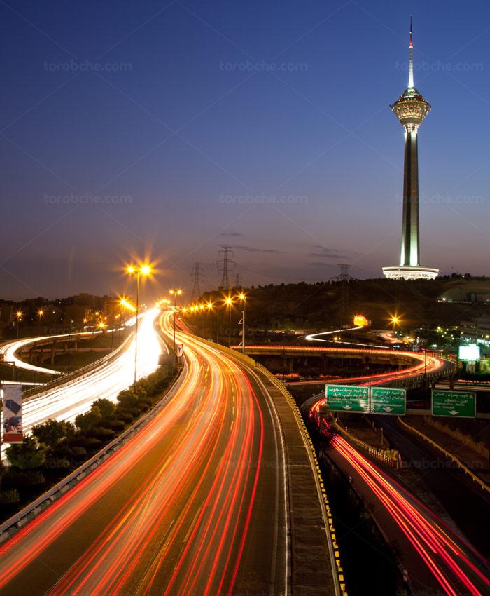عکس با کیفیت برج میلاد در غروب