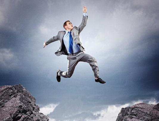 عکس با کیفیت کسب و کار مفهومی ریسک پذیری و پریدن