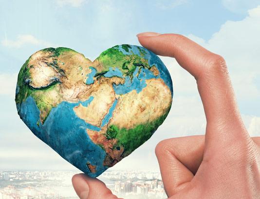 عکس با کیفیت کره ی زمین به شکل قلب