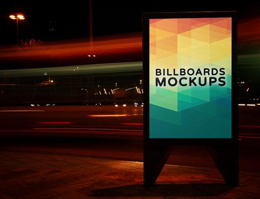 موکاپ بیلبورد تبلیغاتی لایه باز ایستاده شماره ۰۱