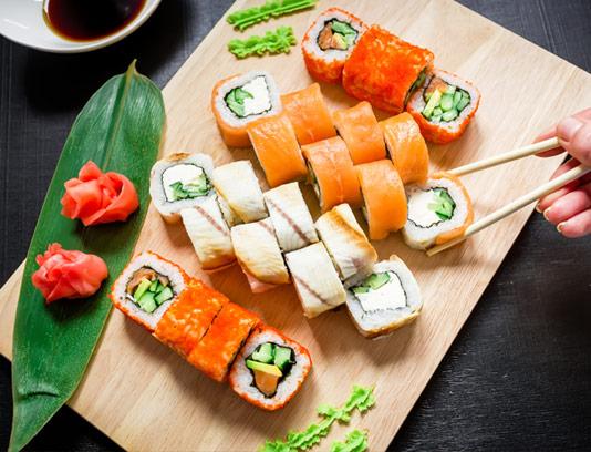 عکس با کیفیت غذای سوشی