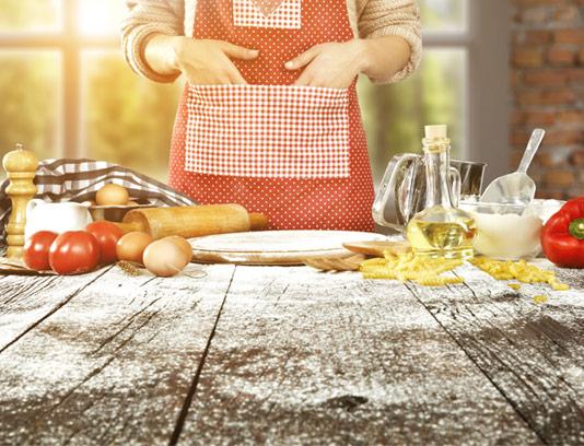 عکس با کیفیت آشپز و وسایل آشپزی