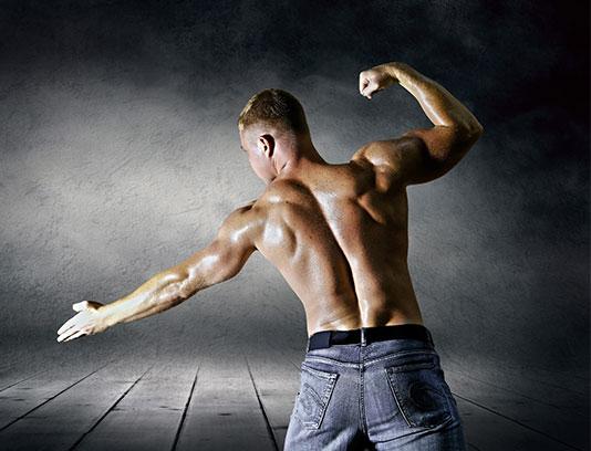 عکس با کیفیت مرد بدنساز با بکگراند گرانج