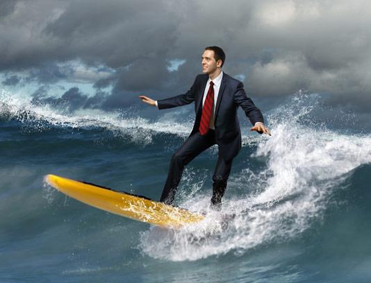 عکس کسب و کار مفهومی موج سواری