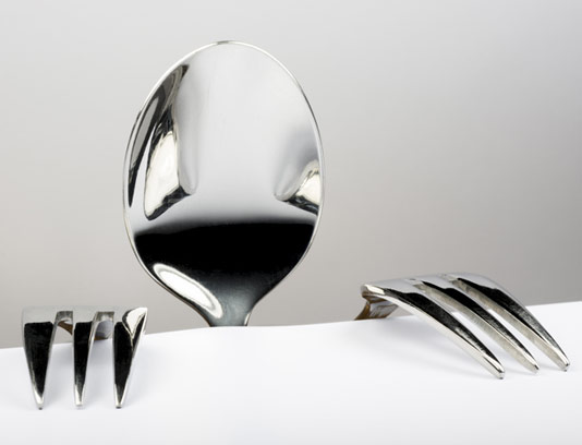 عکس با کیفیت مفهومی قاشق و چنگال گرسنه