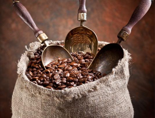 عکس با کیفیت قهوه با کیسه کنفی