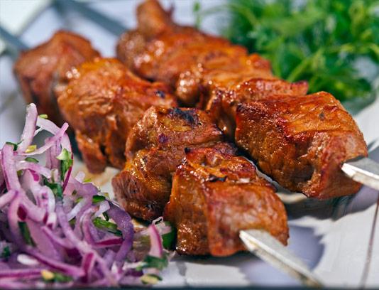 عکس با کیفیت کباب گوشت با سبزیجات
