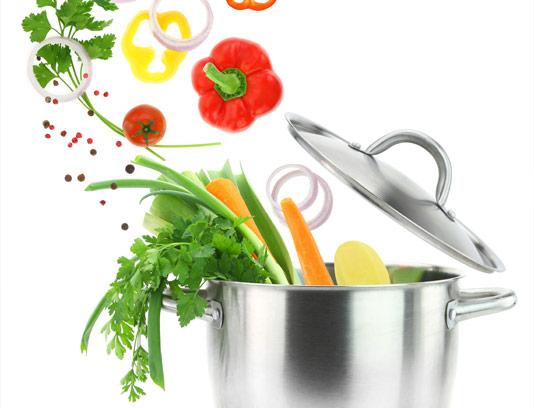 عکس با کیفیت قابلمه پر از سبزیجات
