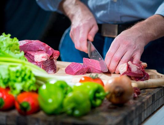 عکس با کیفیت خرد کردن گوشت