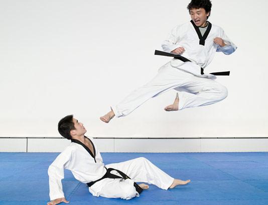 عکس با کیفیت وزشکار رزمی کاراته