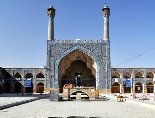 عکس مسجد با حوضی زیبا