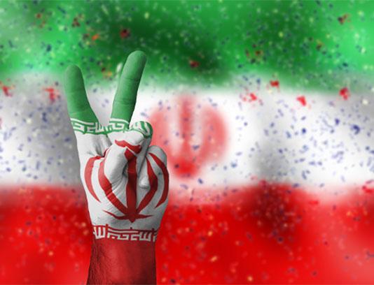 عکس پرچم ایران و نماد پیروزی