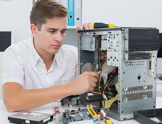عکس تعمیر کامپیوتر با کیفیت