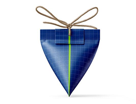 موکاپ بسته بندی مثلثی