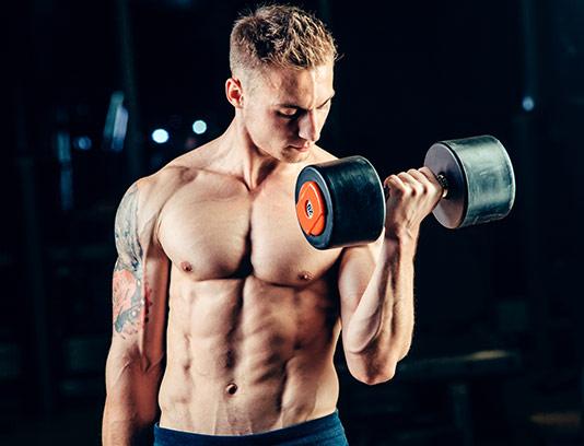عکس با کیفیت ورزشکار مرد