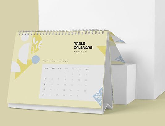 موکاپ تقویم رو میزی با کیفیت