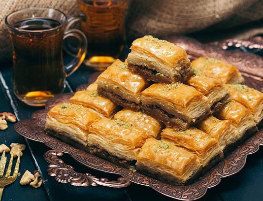 عکس با کیفیت شیرینی و چای