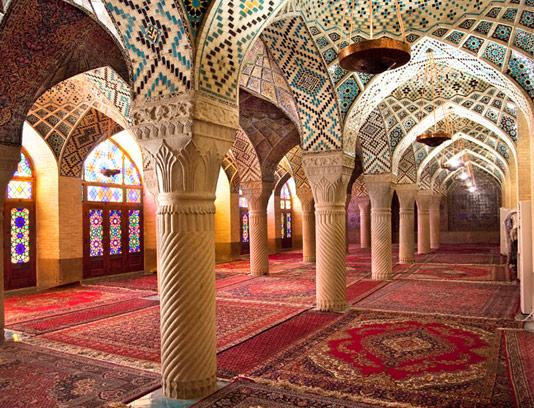 عکس ستون های مسجد نصیر الملک