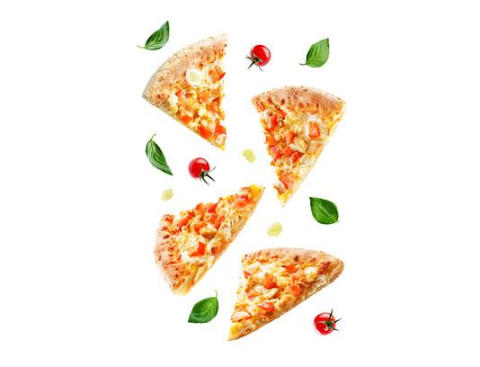 عکس تکه های پیتزا مرغ