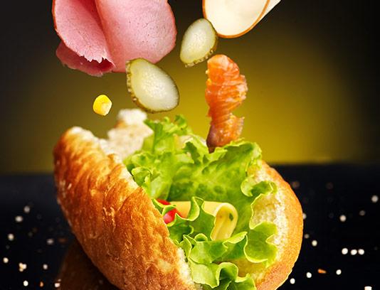 عکس ساندویچ ژامبون با ذرت