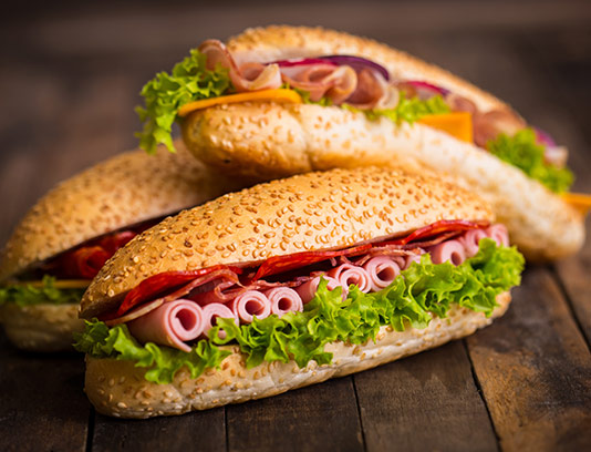 عکس ساندویچ ژامبون و بیکن