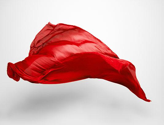 عکس پارچه ساتن قرمز رنگ