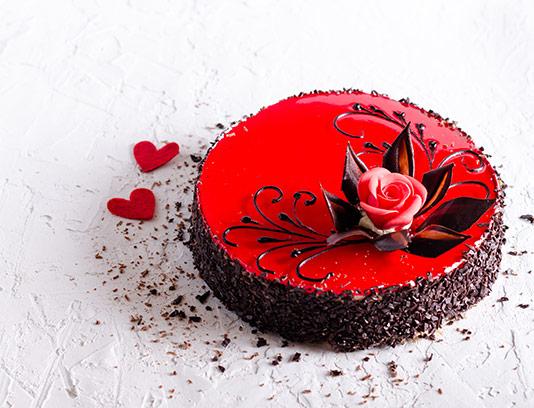 عکس کیک تولد شکلاتی قرمز