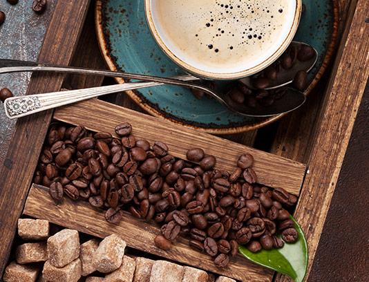 عکس فنجان قهوه و شکر قهوه ای