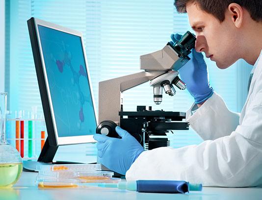 عکس کار کردن در آزمایشگاه