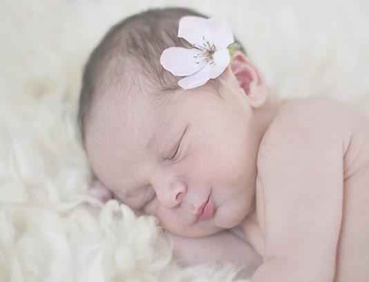 عکس با کیفیت نوزاد خوابیده