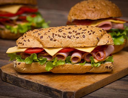 عکس ساندویچ ژامبون با پنیر